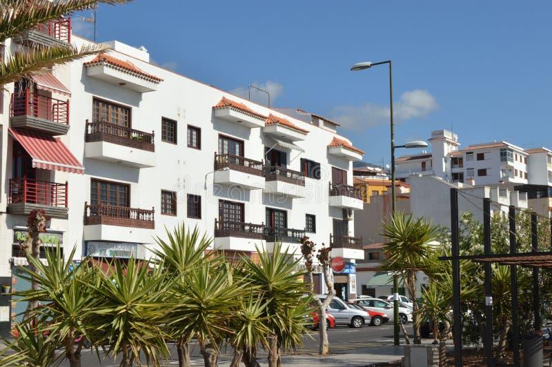 Vitt hus i Tenerife royaltyfria foton
