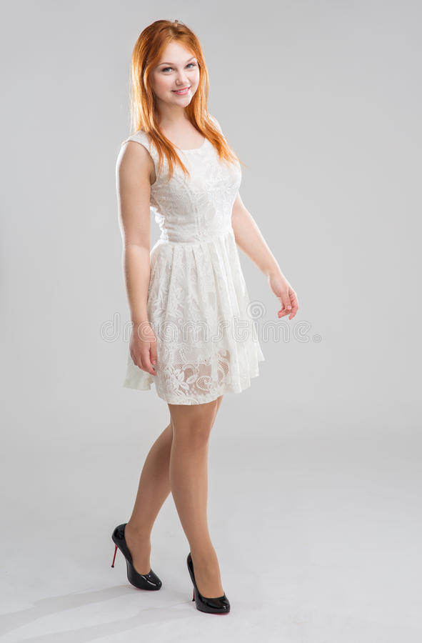 vitt kvinnabarn för klänning royaltyfri foto