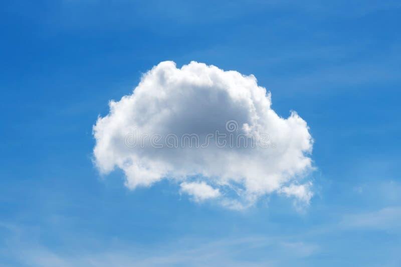 Vitt moln för enkel natur på bakgrund för blå himmel royaltyfri foto