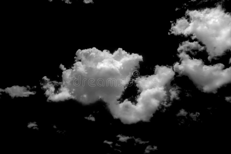 Vitt moln p? svart bakgrund arkivfoton