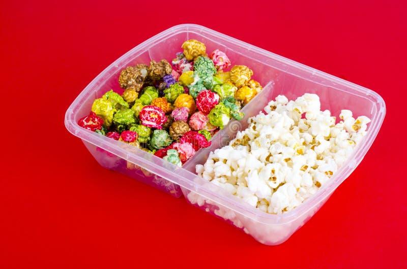 Vitt och glasat popcorn royaltyfri fotografi