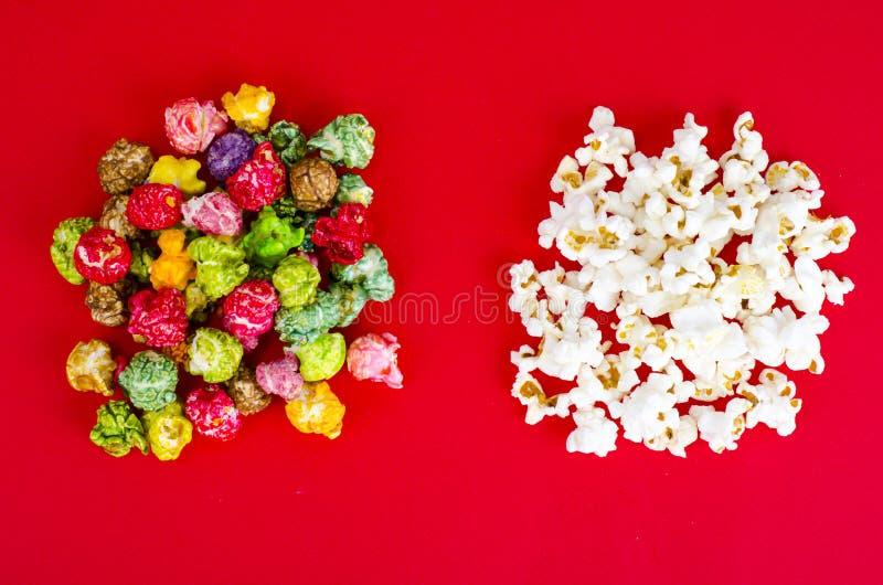 Vitt och glasat popcorn arkivbild