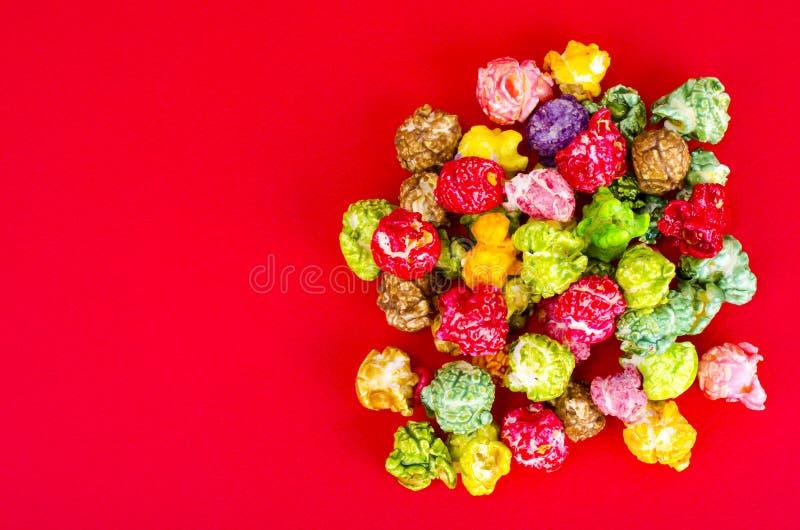 Vitt och glasat popcorn royaltyfri foto