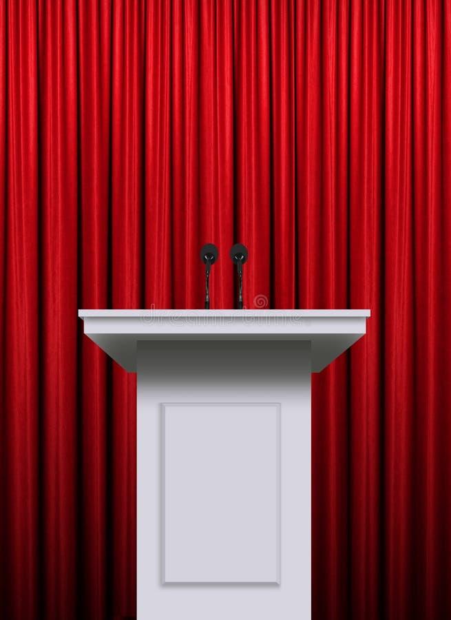 Vitt podium över röd gardinbakgrund arkivbilder