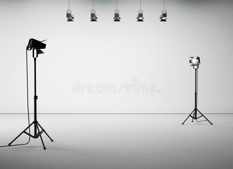 Vitt studiorum med utrustning, ingen kropp 3d stock illustrationer