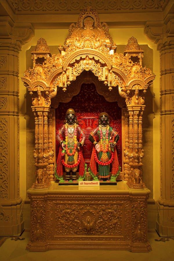 Vittal Rukmini förebild, BAPSSwaminarayan mandir, Katraj arkivbild
