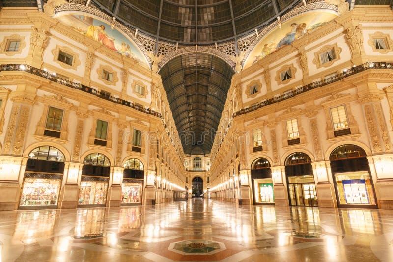 Download Vittorio милана Galleria Ii Италия Emanuele Стоковое Фото - изображение: 104393190
