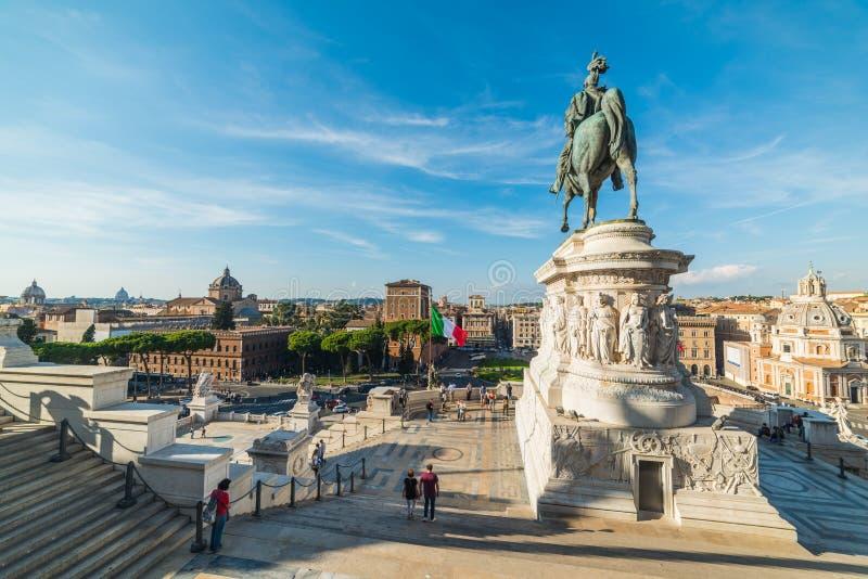 Vittorio Emanuele ΙΙ άγαλμα στο βωμό της πατρικής γης στοκ εικόνες με δικαίωμα ελεύθερης χρήσης