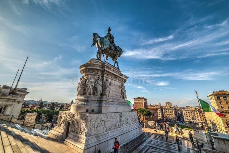 Vittorio Emanuele ΙΙ άγαλμα στο βωμό της πατρικής γης στοκ φωτογραφία με δικαίωμα ελεύθερης χρήσης