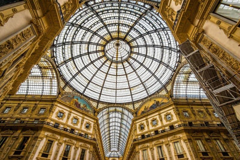 Vittorio Emanuele Galerie in Mailand lizenzfreie stockfotos