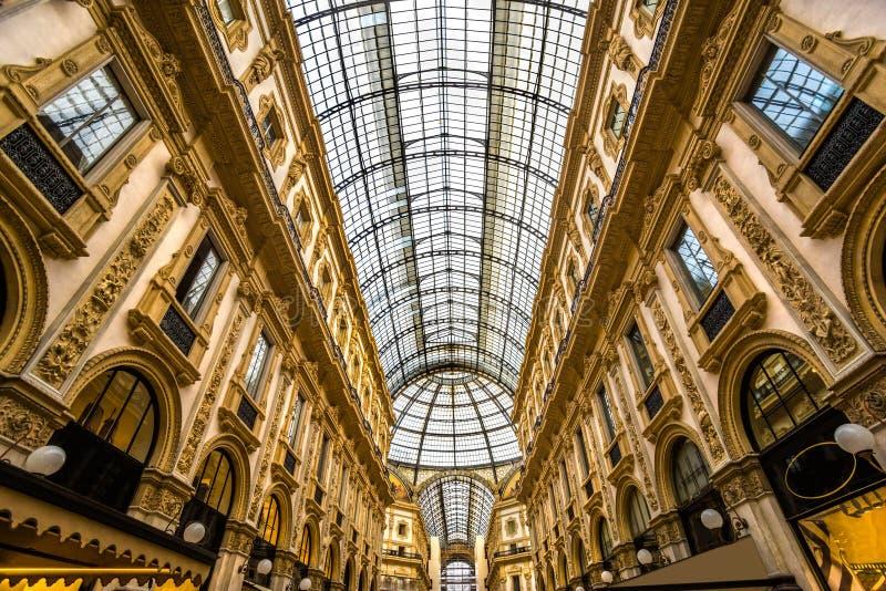 Vittorio Emanuele Galerie in Mailand stockfotos