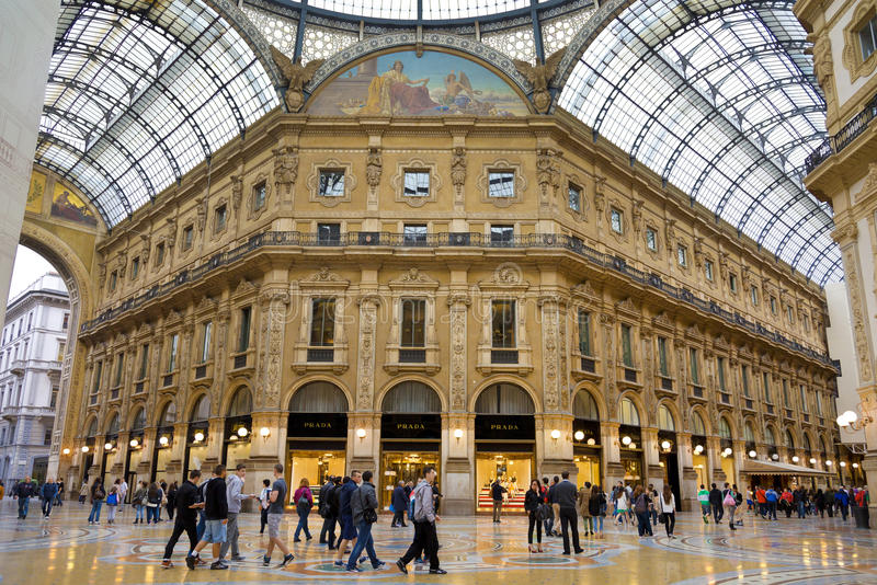 Vittorio Emmanuele II die galler in Milaan, Italië winkelen stock afbeelding