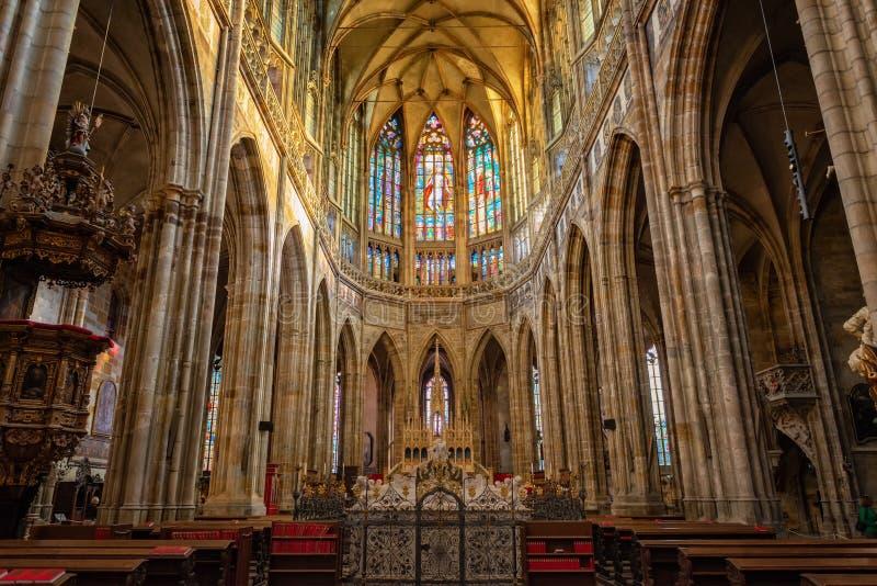 Vituskathedraal van Praag st in het kasteel dat van Praag wordt gevestigd royalty-vrije stock foto's