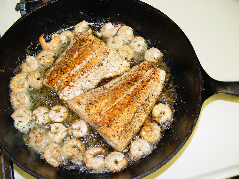 Download Vivaneau et crevette image stock. Image du shellfish, poissons - 1191