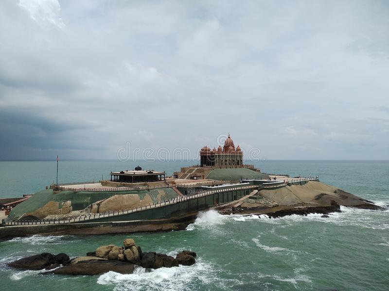 Vivekananda岩石纪念品有风景自然海景 库存照片