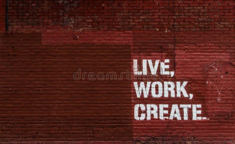 Vivo, trabajo, cree Fondo de la pared foto de archivo