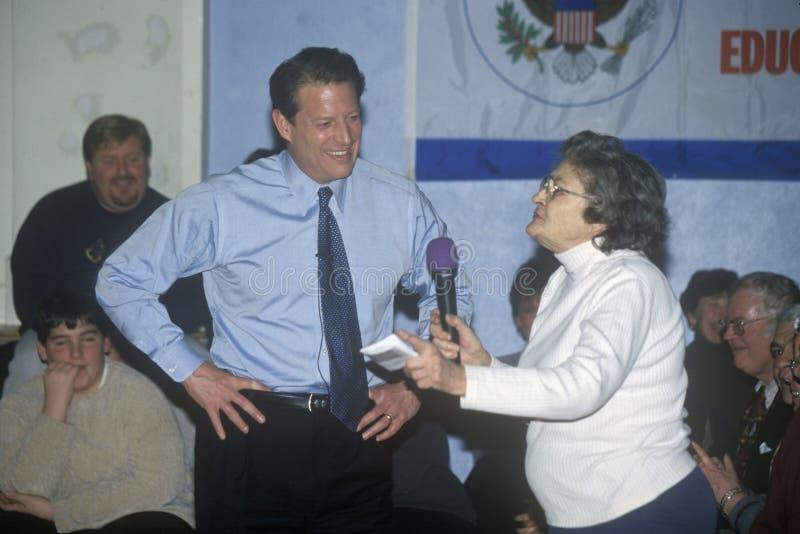 Vizepräsident Al Gore kämpft für die demokratische Ernennung zum Präsidenten in Salem, New Hampshire, vor dem Primär stockbilder