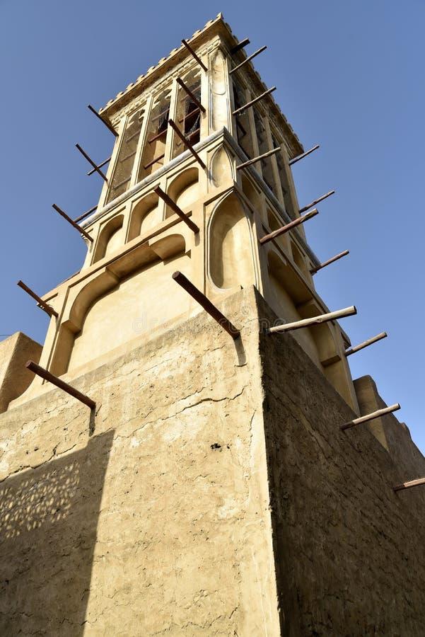 Vizinhança velha de Al Fahidi Historical e de Dubai Souq, Dubai, Emiratos Árabes Unidos imagens de stock royalty free