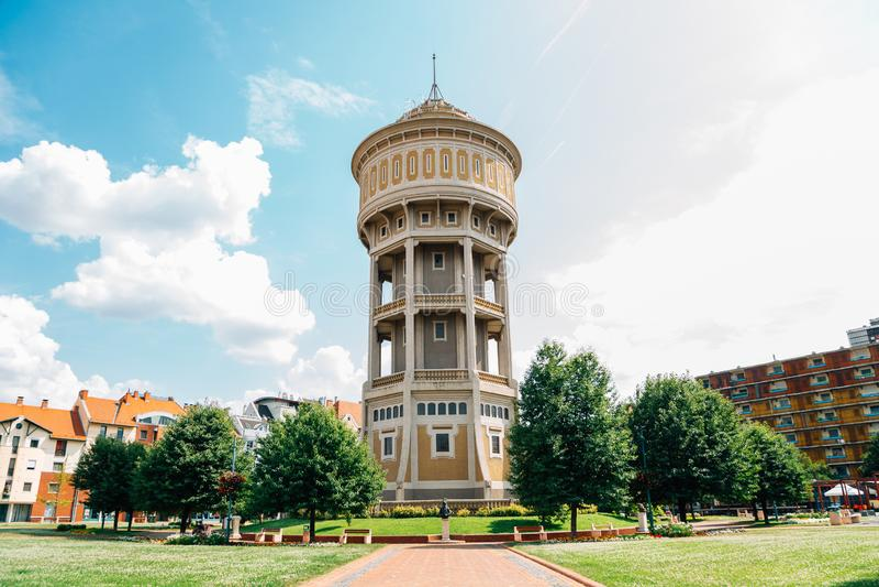 Viztorony watertoren vierkant in Szeged, Hongarije stock foto's
