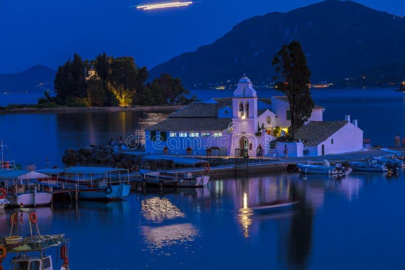 Vlacherna修道院,科孚岛晚上场面  图库摄影