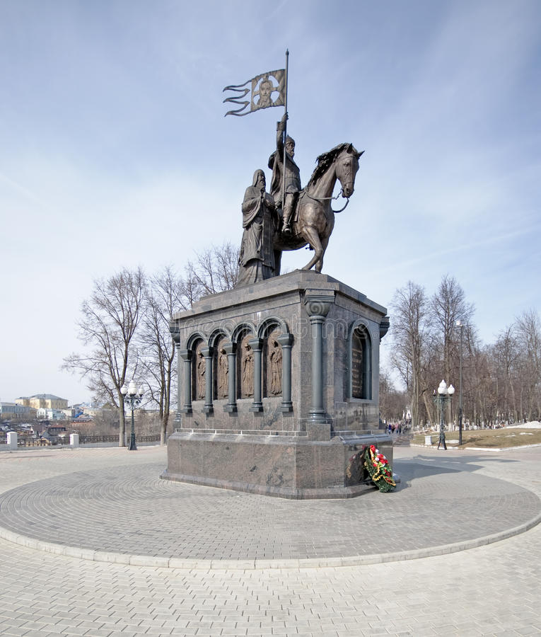 vladimir принца памятника стоковая фотография rf