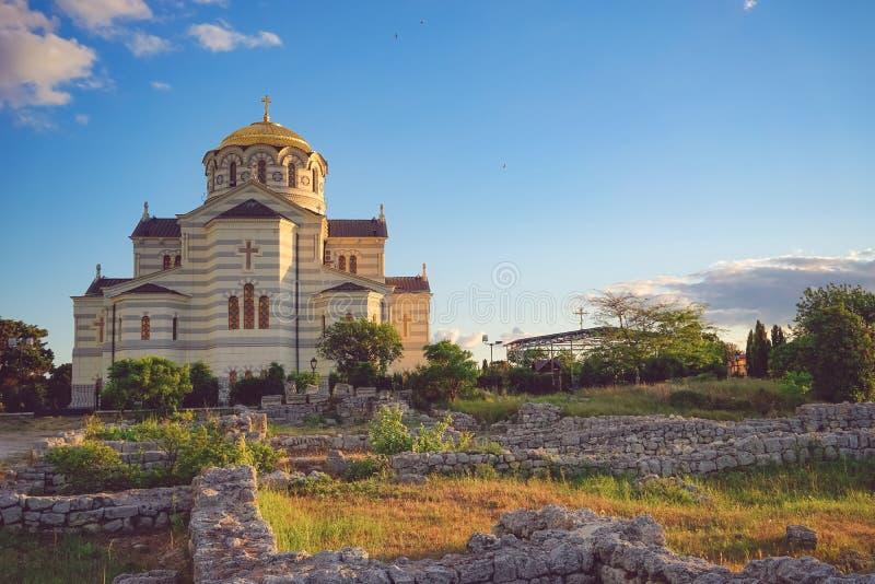 Vladimir Cathedral in Chersonesos - la chiesa ortodossa del patriarcato di Mosca sul territorio di Tauric Chersonesos immagini stock libere da diritti