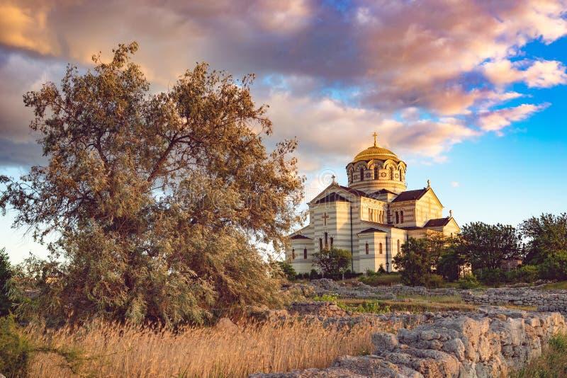 Vladimir Cathedral in Chersonesos - la chiesa ortodossa del patriarcato di Mosca sul territorio di Tauric Chersonesos immagini stock