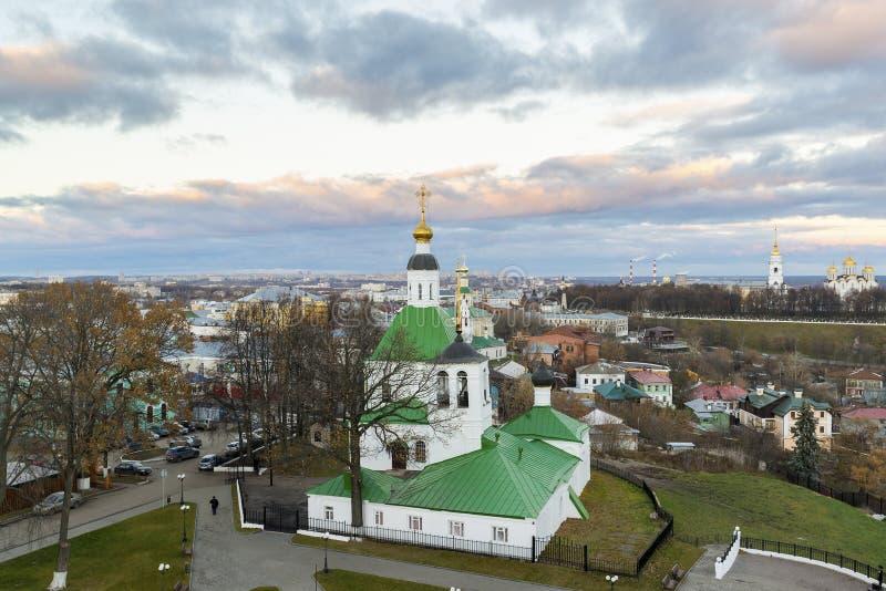 Vladimir, Rusland - November 05 2015 De Kerk van Sinterklaas werd ingebouwd 17de eeuw stock foto's