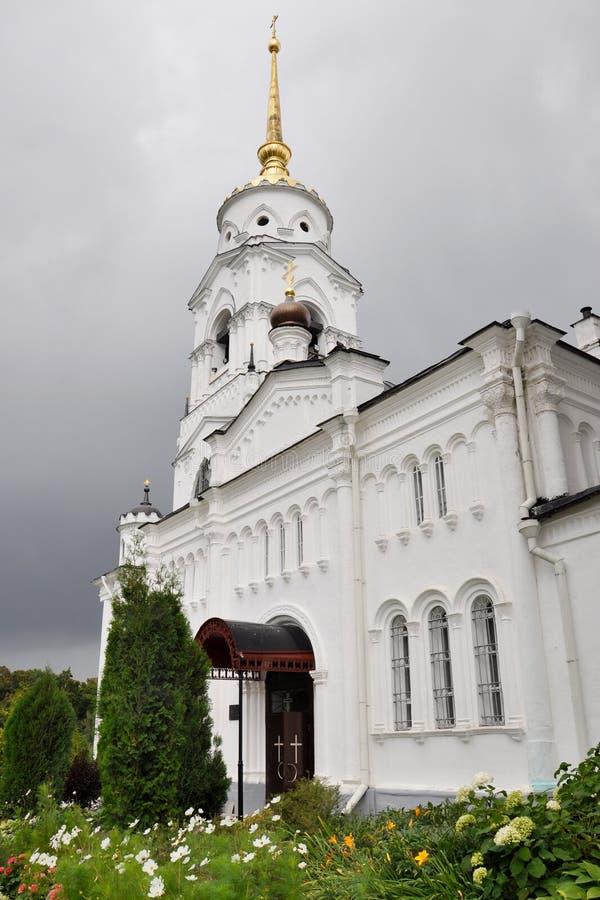 VLADIMIR, RUSSLAND, am 29. August 2015: Belfry der Annahme-Kathedrale lizenzfreies stockfoto