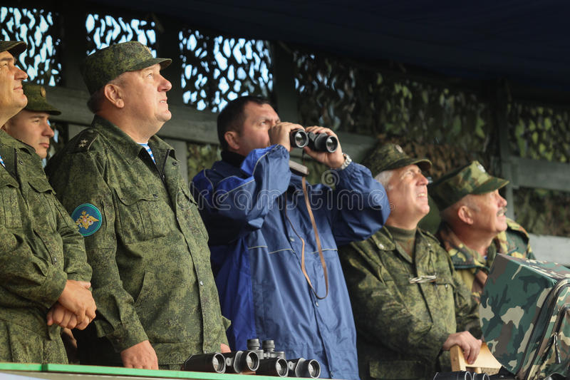 Vladimir Shamanov (L) (Commander-in-Chief Russian Airborne Troops) during Command post exercises with 98-th Guards Airborne. KOSTROMA REGION - AUG 26: Vladimir royalty free stock image