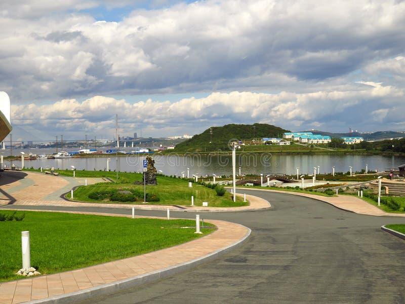 Vladivostok, kray Primorsky/Rusland - September 8 2018: Primorskyaquarium, het wetenschappelijke en onderwijscentrum in Vladivost royalty-vrije stock foto