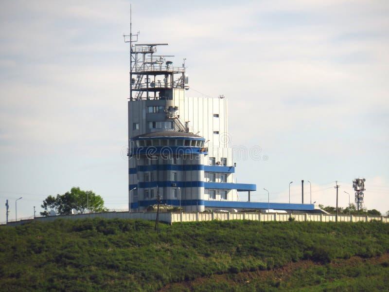vladivostok Primorsky kray/Russland - 7. September 2018: Schiffverkehrsservice VTS des Hafens Wladiwostok lizenzfreies stockbild