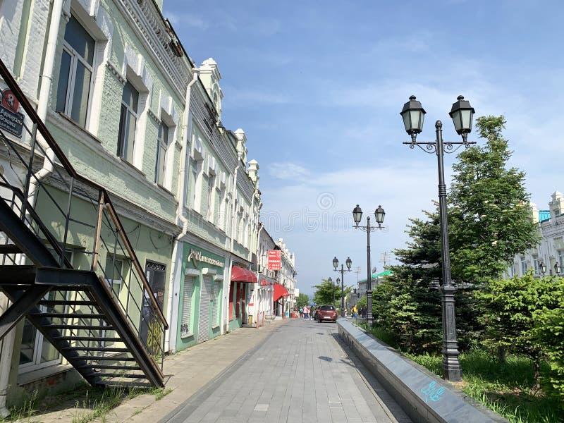 Vladivostok, Rusland, 25 Mei, 2019 De historische bouw, huisvest 8 op Fokin-straat Vladivostok, Rusland stock afbeelding