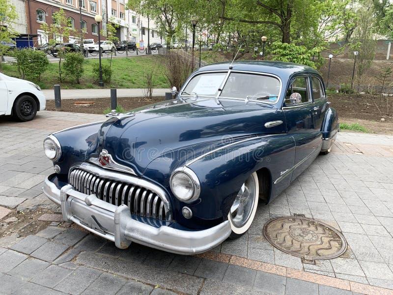 Vladivostok, Russie, mai, 18, 2019 Exposition des rétro-voitures américaines Maître de route de Buick 1950 ans de fabrication Vla image libre de droits