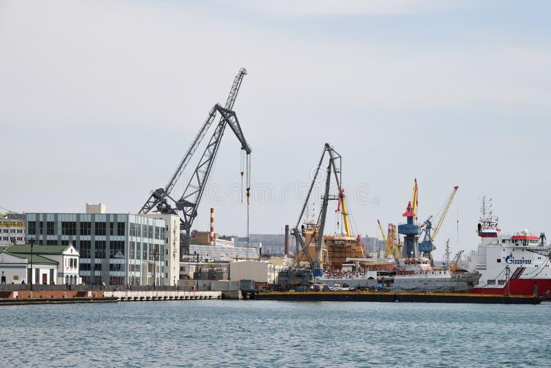 Vladivostok, Russland Kanal lizenzfreie stockfotografie
