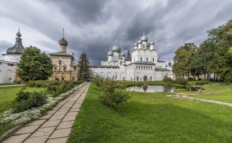 Vladyki gård av den Rostov Kreml arkivbild