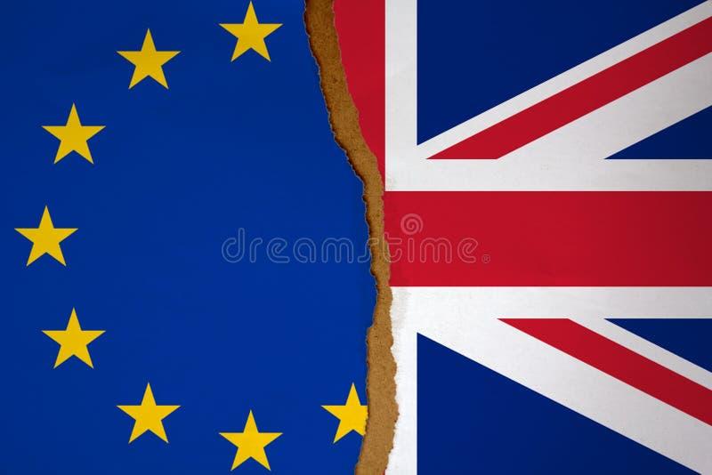 Vlag van de Europese die Unie en het Verenigd Koninkrijk in de helft wordt verdeeld Brexitconcept royalty-vrije stock afbeeldingen