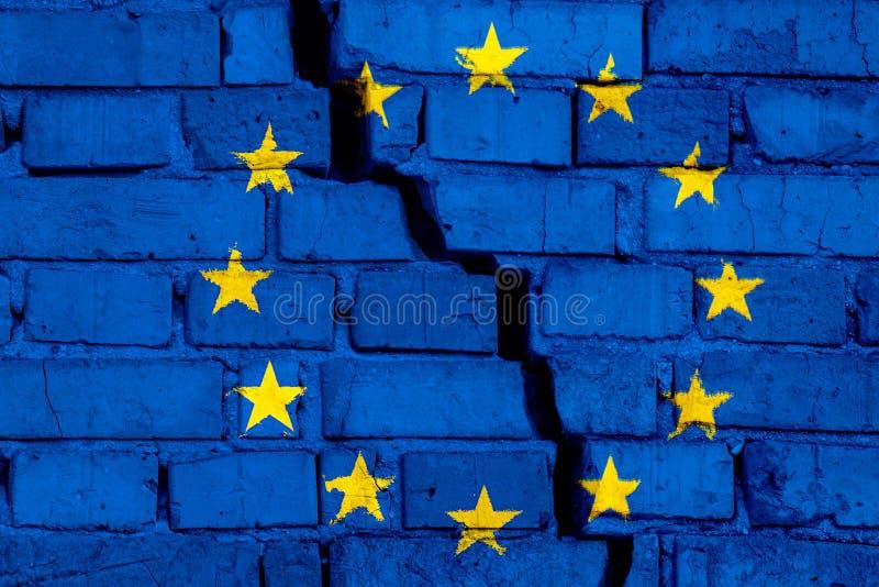 Vlag van Europese Unie de EU op de bakstenen muur met grote barst in het midden Vernietiging en separatismeconcept vector illustratie