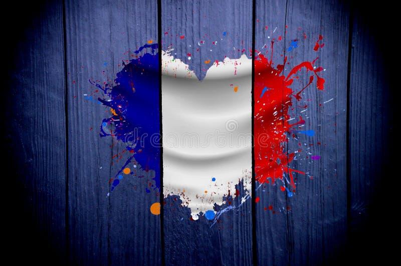 Vlag van Frankrijk in de vorm van een hart op een donkere achtergrond stock fotografie