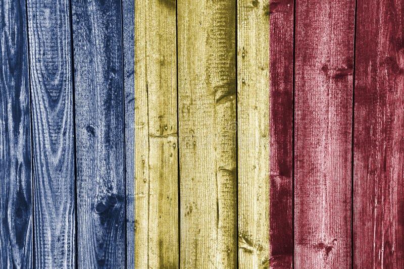 Vlag van Roemenië op doorstaan hout stock fotografie
