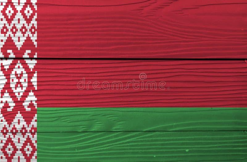 Vlag van Wit-Rusland op houten muurachtergrond Textuur van de Grunge de Witrussische vlag stock afbeelding