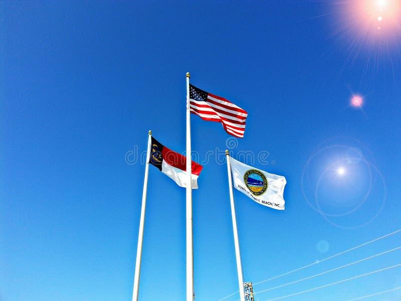 Vlaggen het vliegen stock afbeelding