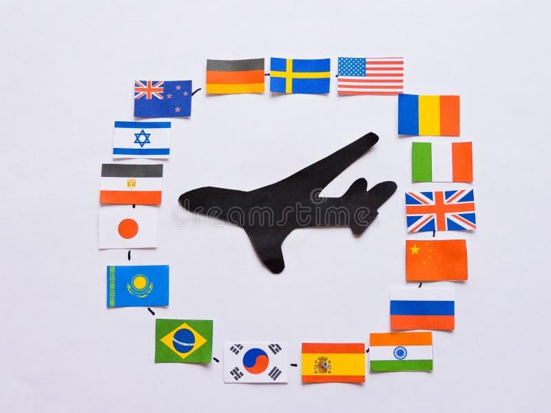 Vlaggen van alle naties van de wereld Groepering van diverse vlaggen van de wereld op wit Internationale Dag van Vrede royalty-vrije stock afbeelding