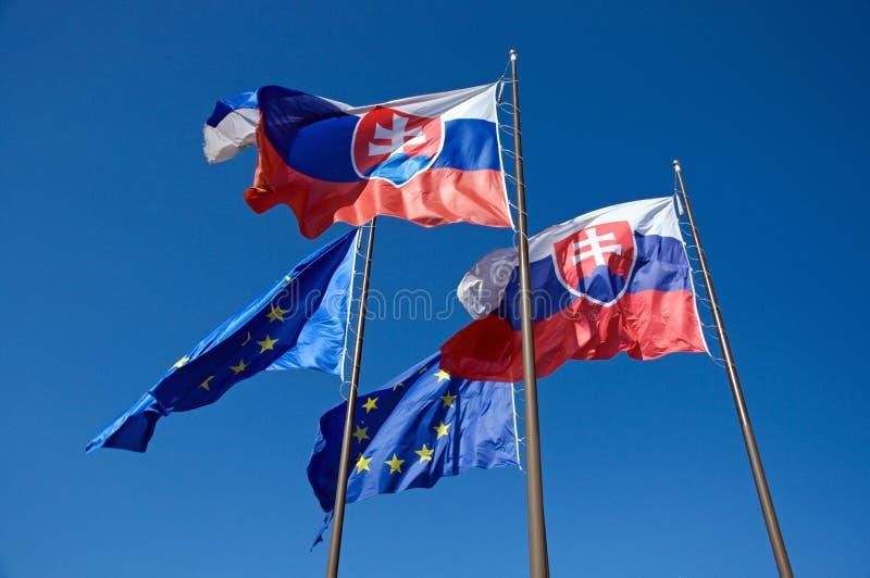 Vlaggen van de Europese Unie van Slowakije en stock afbeeldingen
