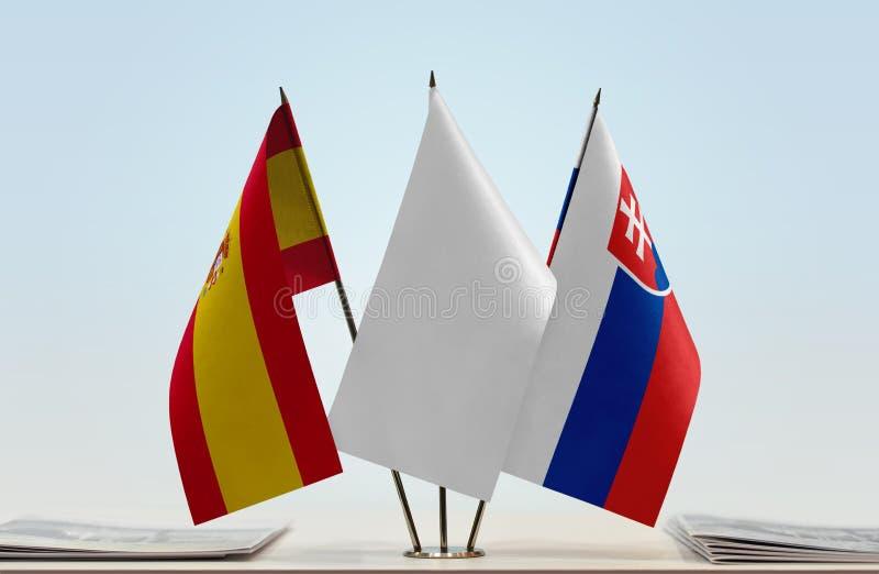Vlaggen van Spanje en Slowakije royalty-vrije stock afbeeldingen
