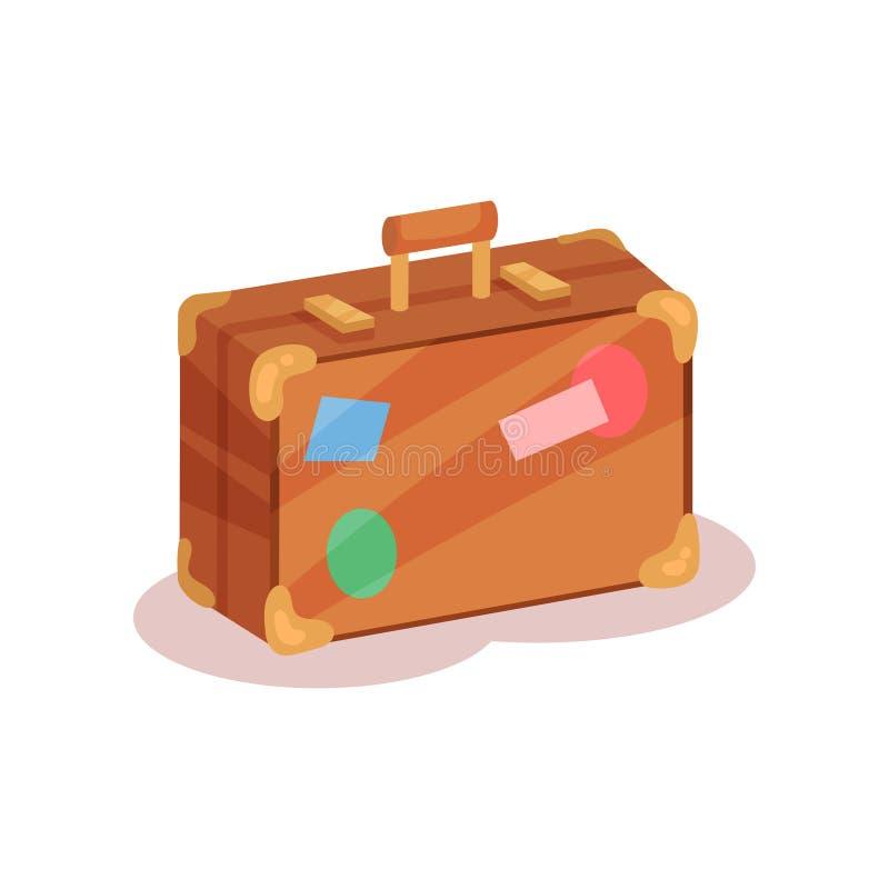 Vlak vectorpictogram van uitstekende koffer met kleurrijke stickers Bruine reiszak met weinig handvat, gouden hoeken en royalty-vrije illustratie