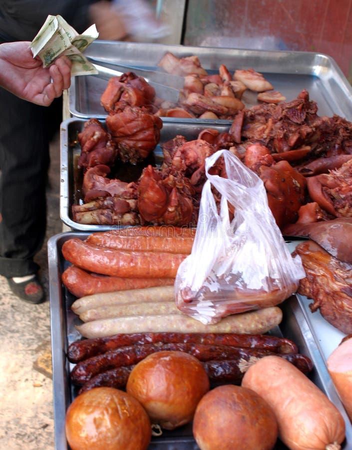 Vlees bij Chinese markt stock foto's