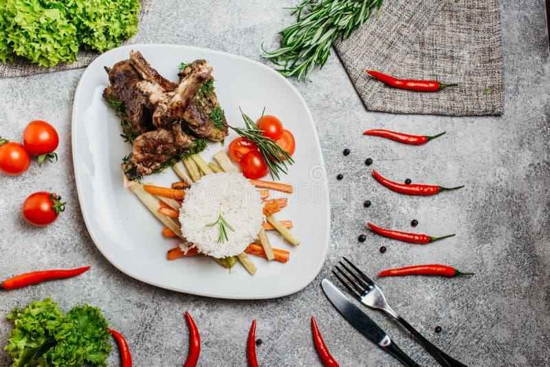 Vlees met rijst stock afbeelding