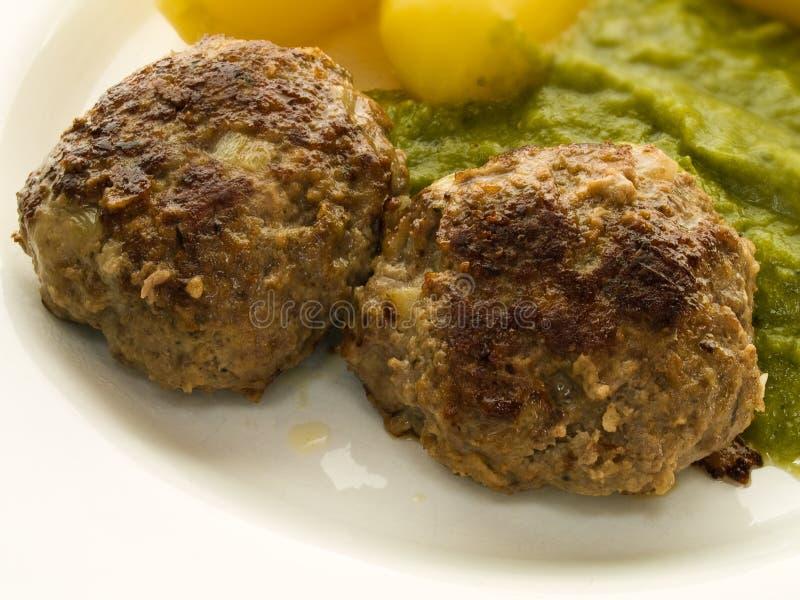 Vleesballetjes en aardappels royalty-vrije stock afbeelding