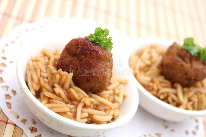 Vleesballetjes met rijst royalty-vrije stock foto's